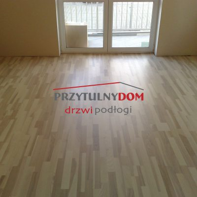 baltic wood JESION CLASSIC 3R CREAM LAKIER MAT